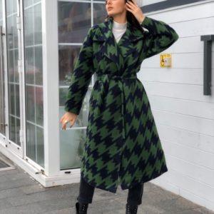 Приобрести дешево женское на запах пальто на подкладке синтепоновой зеленого цвета больших размеров недорого