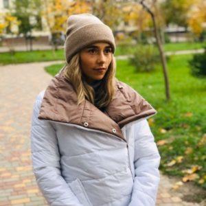 Придбати в інтернет-магазині жіночу шапку зимову з ангори кольору бежевого дешево