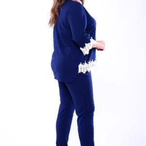 Приобрести дешево женский костюм: брюки + блузка из креп дайвинга с декором кружево цвета синего больших размеров недорого