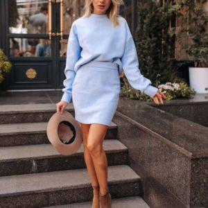 Заказать в подарок женский костюм теплый «Барби»: свитер + юбка цвета голубого дешево
