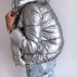 Приобрести женскую куртку дутик из плащевки короткую серебряного цвета в Украине