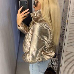 Приобрести в интернет-магазине куртку женскую на подкладке с воротником высоким золотого цвета дешево