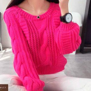 Заказать в подарок женский свитер укороченный вязки узорной цвета малинового недорого