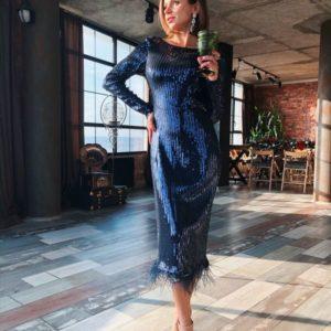 Купить недорого вечернее платье из стрейч - пайетки с перьями внизу и спиной открытой сапфирового цвета на новый год в подарок