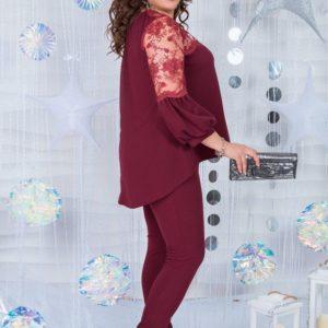 Купить в интернет-магазине костюм женский из креп дайвинга: блузка + штаны цвета бордового больших размеров недорого