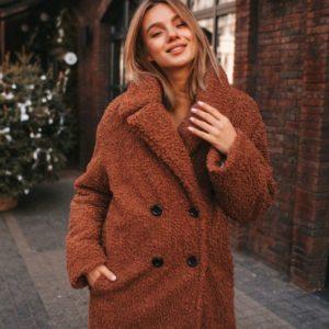 Купить дешево женскую шубу на пуговицах чебурашку из искусственного меха коричневого цвета в подарок