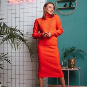 Купить дешево женский костюм с юбкой миди теплый оранжевого цвета в подарок