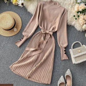 Замовити дешево жіночу сукню з трикотажу рубчик з спідницею плісе кольору мокко на корпоратив недорого