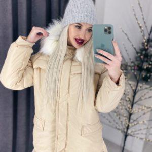 Купить недорого женскую куртку с карманами и капюшоном на синтепоне желтого цвета в подарок