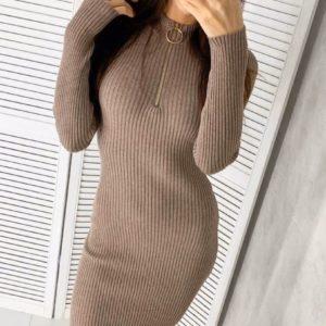 Заказать в подарок женское платье облегающее из трикотажа со змейкой в рубчик цвета мокко на новый год дешево