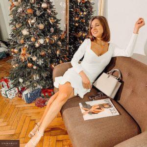 """Купить недорого женское короткое платье """"Мерлин"""" из джерси итальянского молочного цвета на новый год в подарок"""
