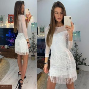 Приобрести в интернет-магазине женское платье из трикотажа эластичного с бахромой белого цвета на новогоднюю вечеринку дешево
