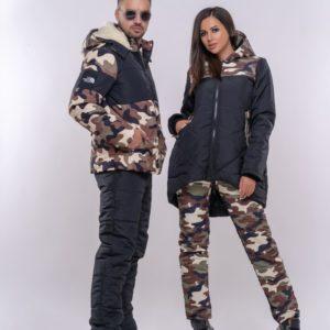 Заказать в подарок женский черный костюм лыжный батал на синтепоне с камуфляжным принтом дешево