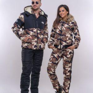 Приобрести недорого женский камуфляжный лыжный костюм с капюшоном из меха чернобурки в цвет камуфляжа оптом Украина