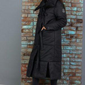 Приобрести недорого женскую зимнюю куртку из плащевки на синтепоне черного цвета оптом Украина