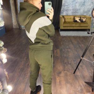 Купить дешево женский спортивный костюм на флисе с капюшоном двойным цвета хаки в подарок