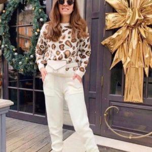 Заказать в подарок женский костюм с леопардовым принтом спортивный теплый молочного цвета недорого