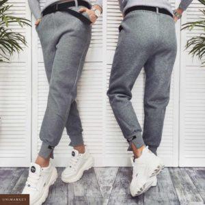 Заказать в подарок женские штаны из трикотажа с ремнём на флисе серого цвета дешево