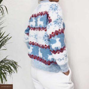 Купить в подарок женский свитер с оленями и снежинками цвета голубого оптом Украина