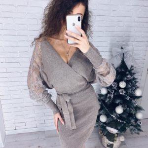 Купить дешево женское трикотажное платье с рукавами и поясом из кружева серого цвета в подарок