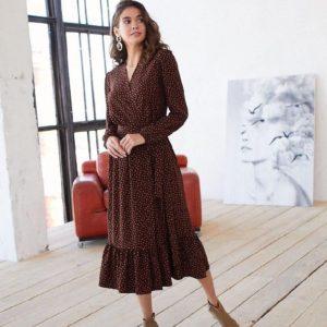 Приобрести недорого женское платье миди на запах в мелкий горох коричневого цвета оптом Украина