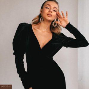 Купить дешево женское чёрное платье с декольте бархатное в подарок