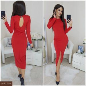 Купить в подарок женское платье с разрезом трикотажное длинное красного цвета в Украине