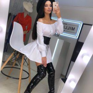 Заказать в подарок женское платье из хлопка с широким поясом на кнопках цвета белого недорого