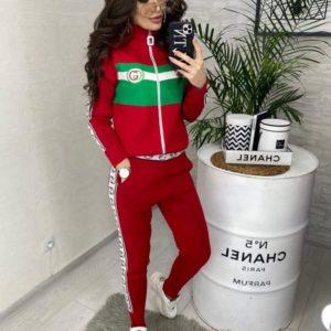 Заказать в подарок женский костюм спортивный Гуччи из вязки цвета красного дешево