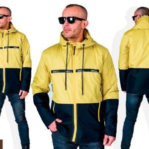 Купить в интернет-магазине мужскую легкую куртку с капюшоном из плащевки на змейке цвета желтый/черный дешево