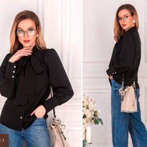 Приобрести недорого женскую рубашку с бантом из софта черного цвета оптом Украина