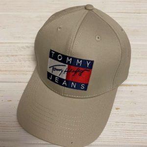 Заказать в подарок женскую кепку Tommy Jeans цвета бежевого дешево
