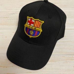 Заказать в подарок женскую кепку FCB черного цвета дешево