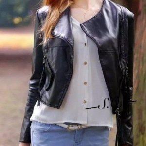 Приобрести недорого женскую черную укороченную куртку из экокожи оптом Украина