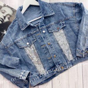 Купить дешево женскую укороченную джинсовую куртку с пайетками голубого цвета в подарок