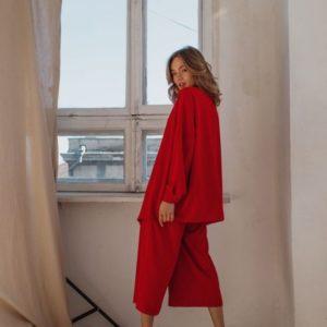 Заказать в подарок женский костюм: рубашка + штаны из шелка кюлоты цвета красного недорого