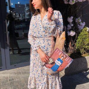 Приобрести по низкой цене женское бело-розовое воздушное платье из штапеля в Украине