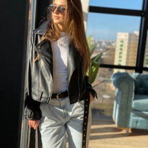 Заказать дешево женскую куртку-косуху на подкладке черную в Украине