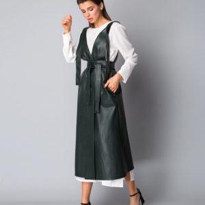 Заказать в интернет-магазине кожаный женский сарафан цвета бутылка онлайн