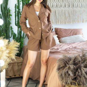 Заказать в подарок женский тройка костюм с шортами из льна цвета коричневого дешево