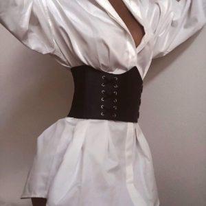 Заказать в подарок женское платье-рубашка на основе хлопковой с корсетом кожаным цвета белого дешево