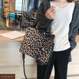 Заказать в подарок женскую сумку с ручками деревянными и бежевым леопардовым принтом дешево