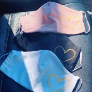 Заказать маску для лица многоразового использования с сердцем онлайн дешево