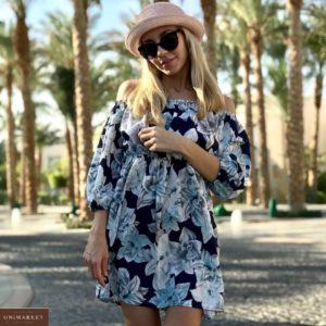 Заказать женское темно-синее летнее платье с открытыми плечами и цветочным принтом не дорого на подарок