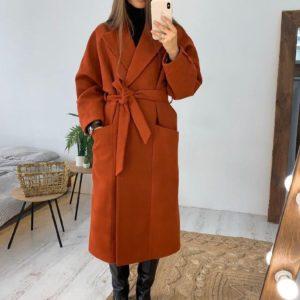 Приобрести недорого женское кашемировое пальто с поясом и карманами терракотового цвета оптом Украина