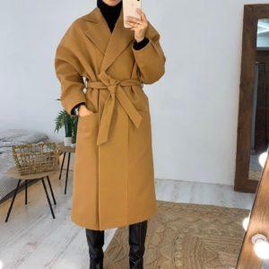 Заказать в подарок женское пальто с поясом и карманами кашемировое медового цвета недорого