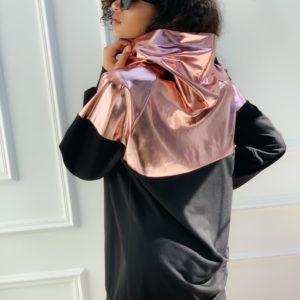 Купить онлайн розовый металлик-черную женскую спортивную тунику-худи со вставкой из эко кожи недорого