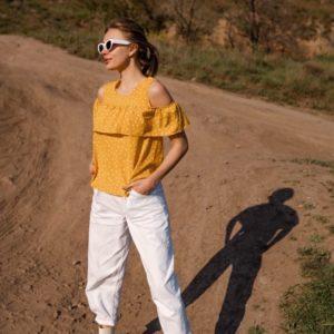 Купить желтую женскую свободную блузку с открытыми плечами на резинке (размер 42-56) в Харькове, Днепре