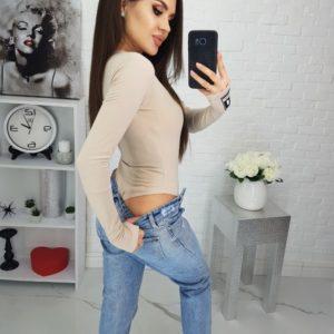 Заказать бежевое женское боди из вискозы с V-образным вырезом в интернет-магазине