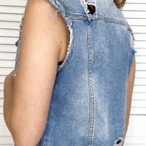 Приобрести синюю джинсовую жилетку на пуговицах с жемчугом (размер 40-50) по скидке